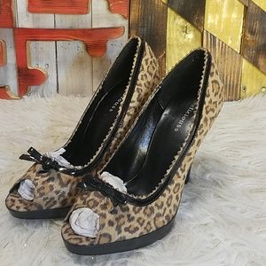 Delicious Heels Womens Size 8.5